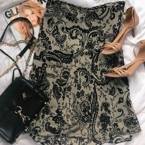 Dresses & Skirts - Paisley Print Skirt!